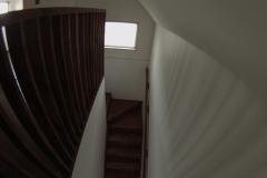 Escalera de Madera color Roble